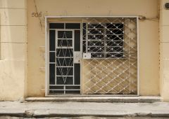 Cubana Production Service Cuba Mood Photography street door