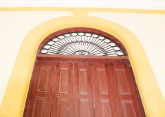 Cubana Production film Service Cuba Habana Photo door exterior