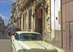 yellow car in cuba